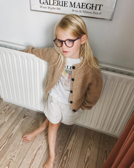 Bild på Novice Cardigan Junior- Chunky Edition i Tynn Silk Mohair och KOS